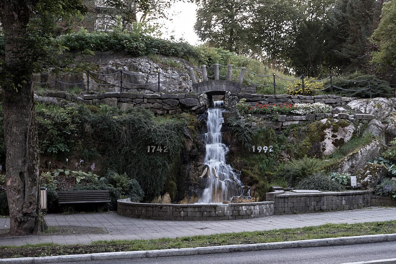 Wasserfall mitten in der Stadt