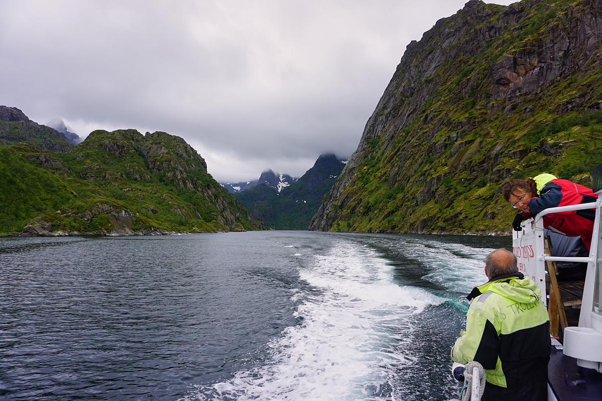 Wir verlassen den Trollfjord.