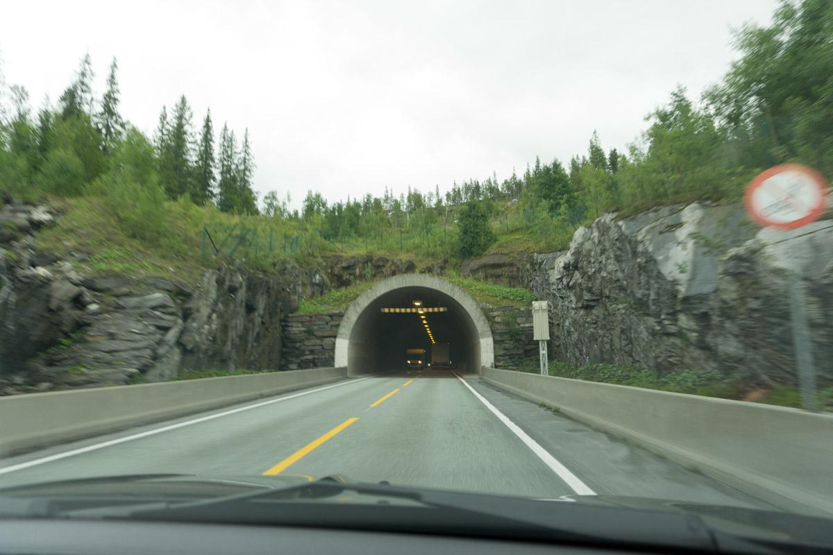 E6 Tunnel an Tunnel