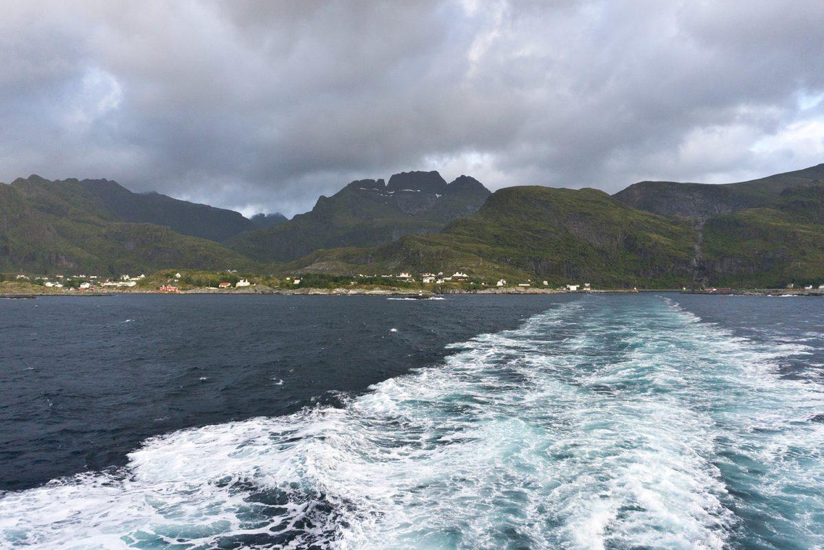 Überfahrt Moskenes – Bodø bei Windstärke 8