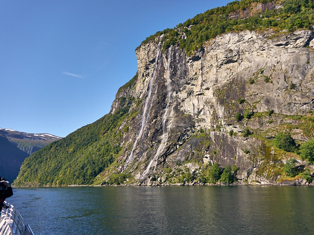 Die Sieben Schwestern – die berühmten Wasserfälle des Geirangerfjords.