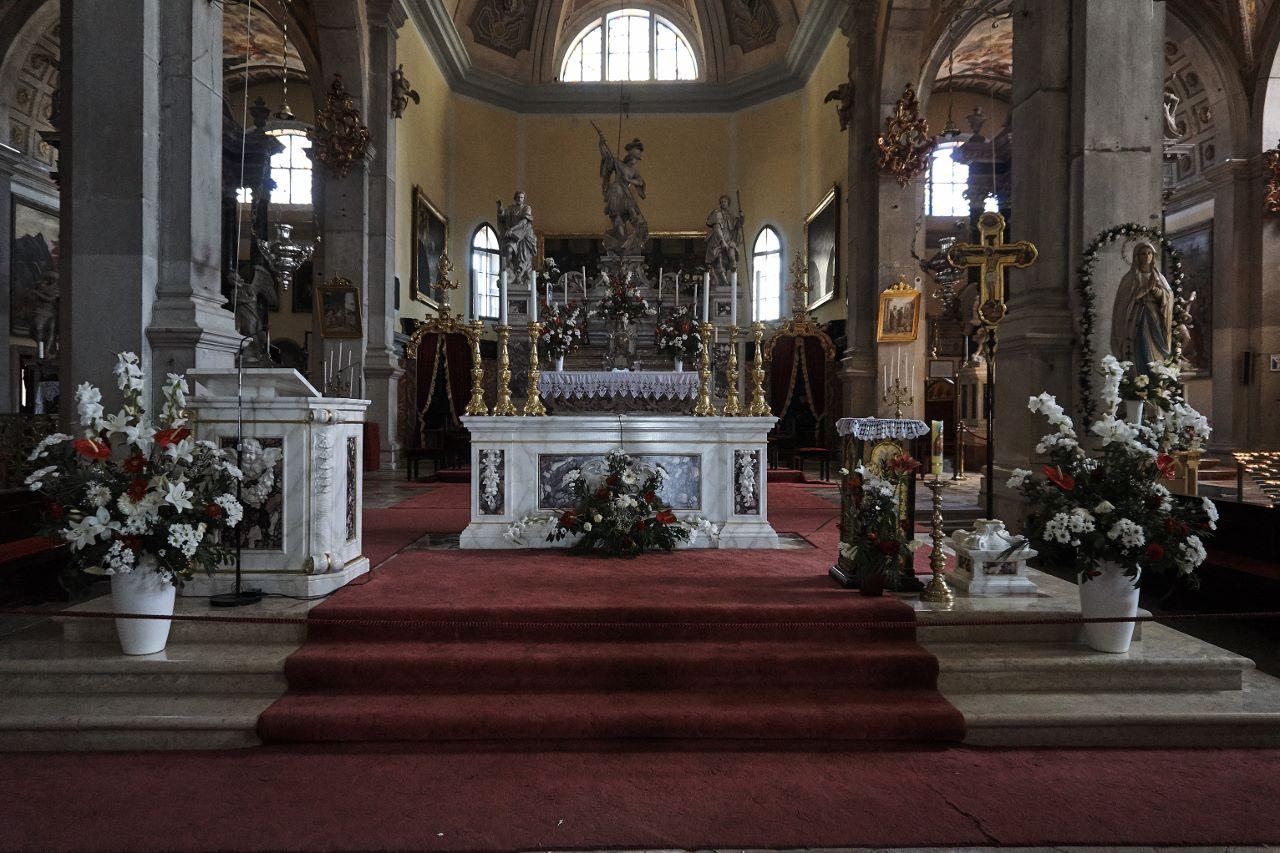 prachtvoller Altar in der Kirche der heiligen Euphemia