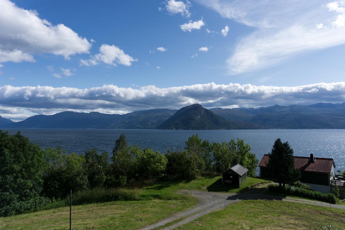 Entlang am Hardangerfjorden